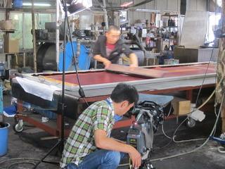 工場での取材風景です。